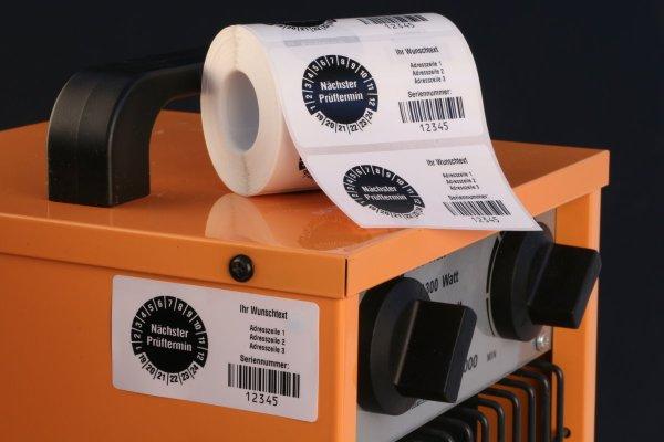 """Anwendung: Datum Prüfetikett Material:Polyethylen-Folie hochglänzend weiß Größe:68x34mm Kopfzeile:""""Ihr Wunschtext"""" Barcode:128B Stellenanzahl:8-stellig Menge:1000"""