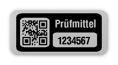 """Prüfmitteletiketten Material:Folie silber matt Größe:26x12mm Kopfzeile:""""Prüfmittel"""" Barcode:QR Stellenanzahl:7-stellig Ausführung:1 Etikett pro Nummer Etiketten je Rolle:500"""
