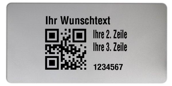 """Universaletiketten Material:Polyester-Folie Silberoptik matt Größe:68x34mm Kopfzeile:""""Ihr Wunschtext"""" Barcode:QR Stellenanzahl:7-stellig Ausführung:1 Etikette pro Nummer Menge:1000"""