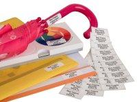 """Anwendung: Namensetik. Schule Material:Polyethylen-Folie hochglänzend weiß Größe:40x15mm Kopfzeile:""""Ihr Wunschtext"""" Schriftart:Classic..."""